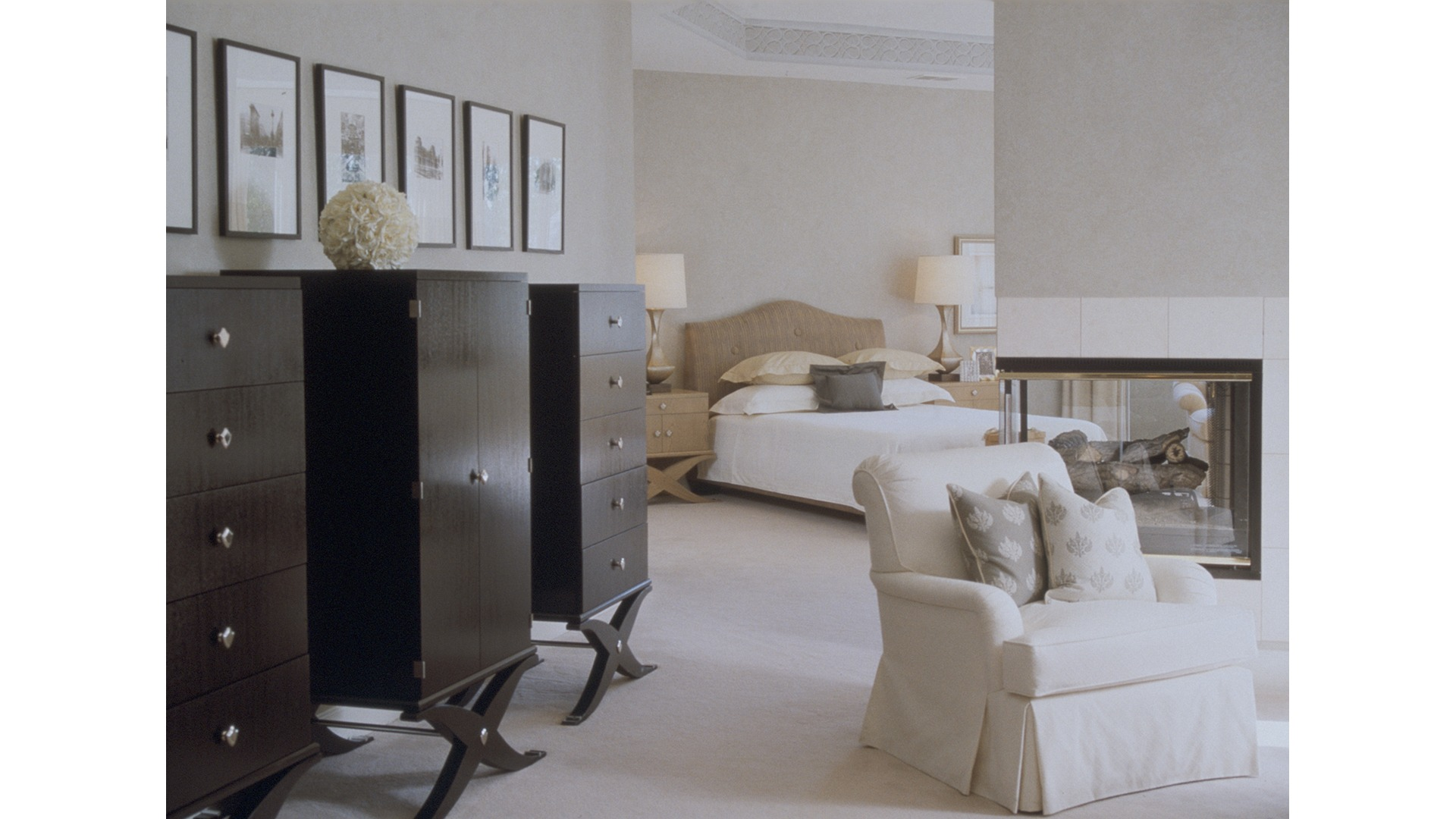 The Owner's Bedroom in the Woodley model. Some optional features shown.