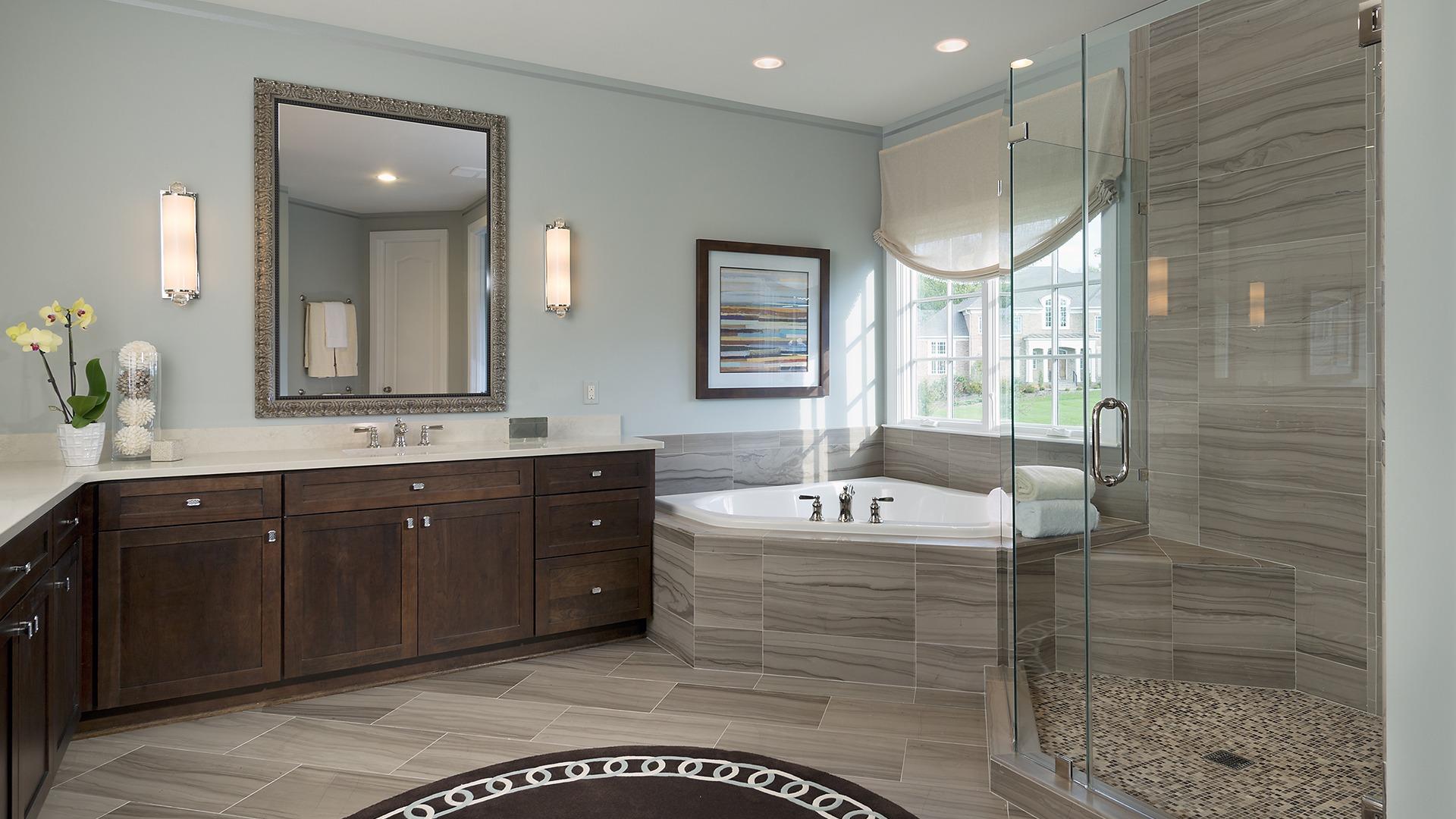 Winthrop Owner's Bath