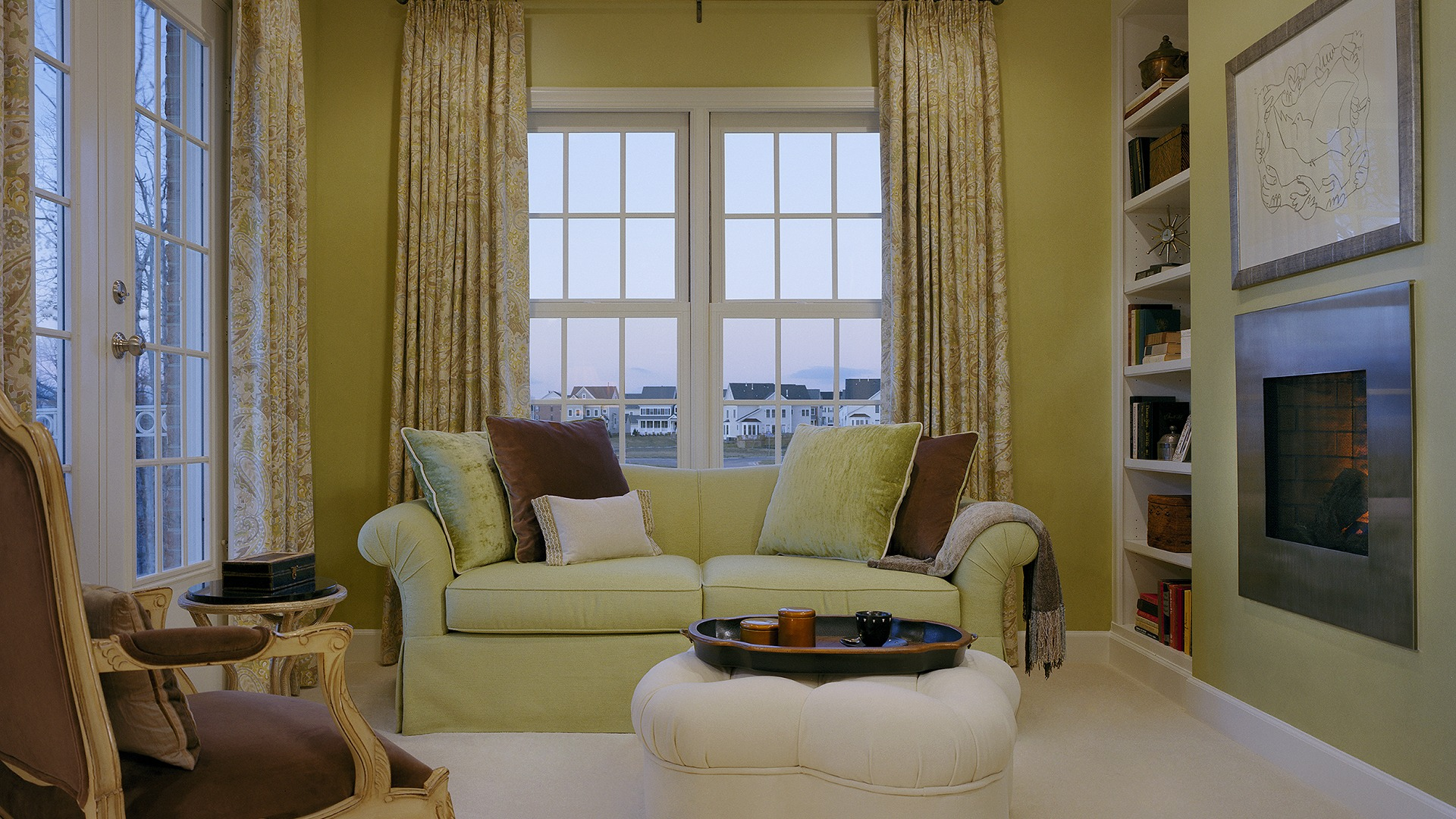 The Owner's Sitting Room in our Ashcroft model in Brambleton. Some options shown.