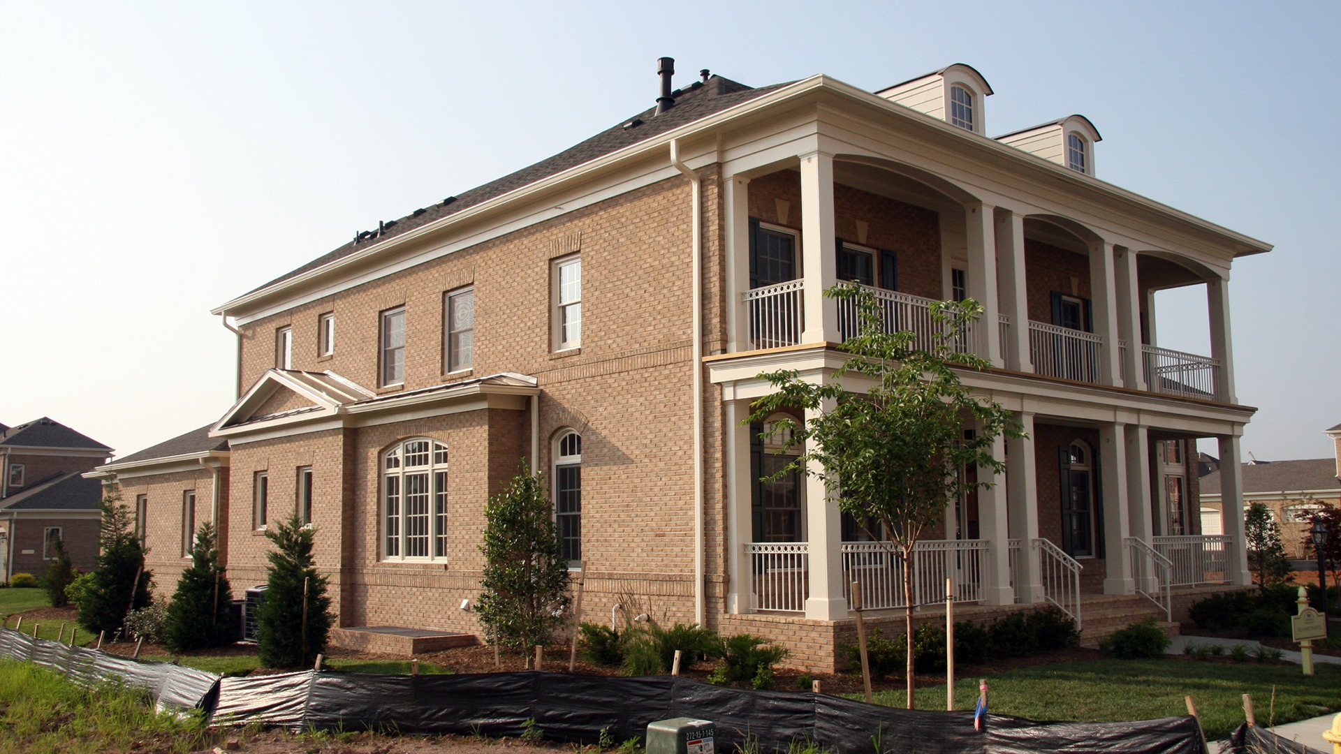The Front Elevation of the Hampton model in Brambleton. Some options shown.