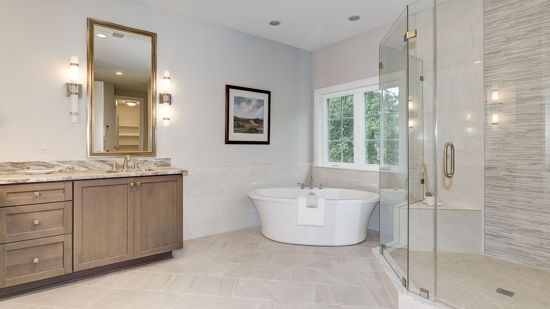 Winthrop Owner's Bath. Some optional features shown.
